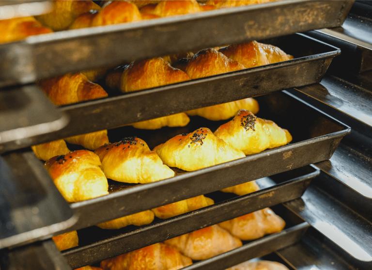いちやまマート採用サイト 焼き立てパン